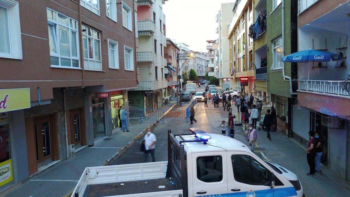 Pendik te depremden etkilenen 4 katlı apartman tahliye edildi #3