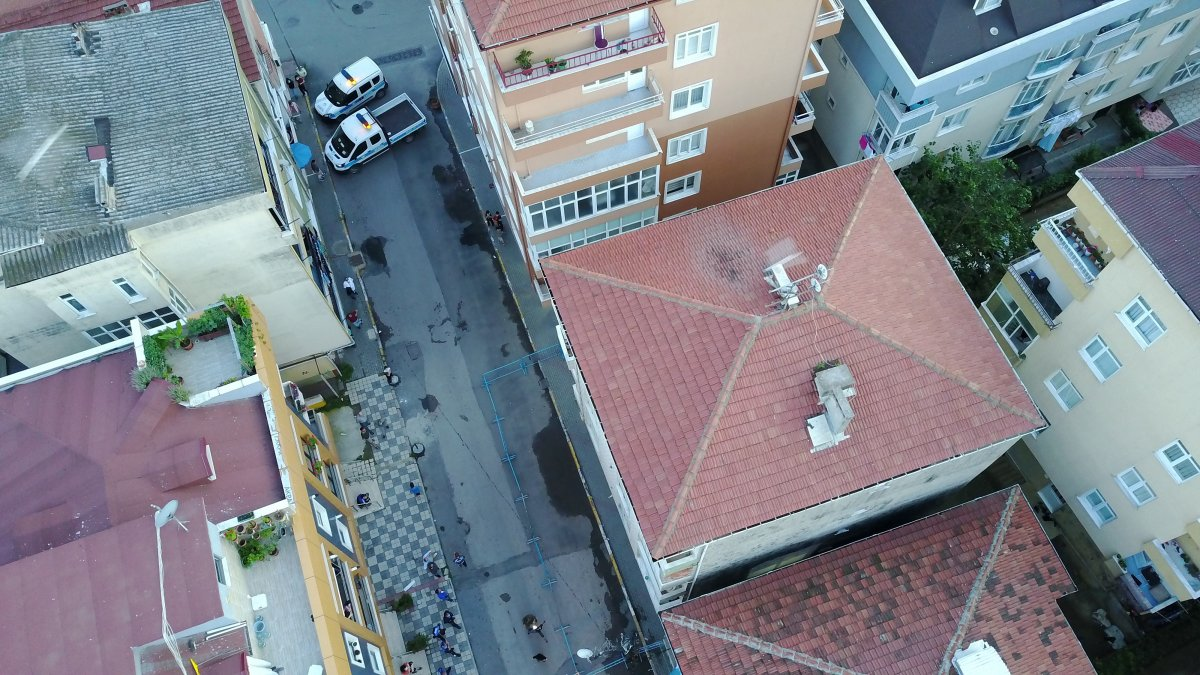 Pendik te depremden etkilenen 4 katlı apartman tahliye edildi #1