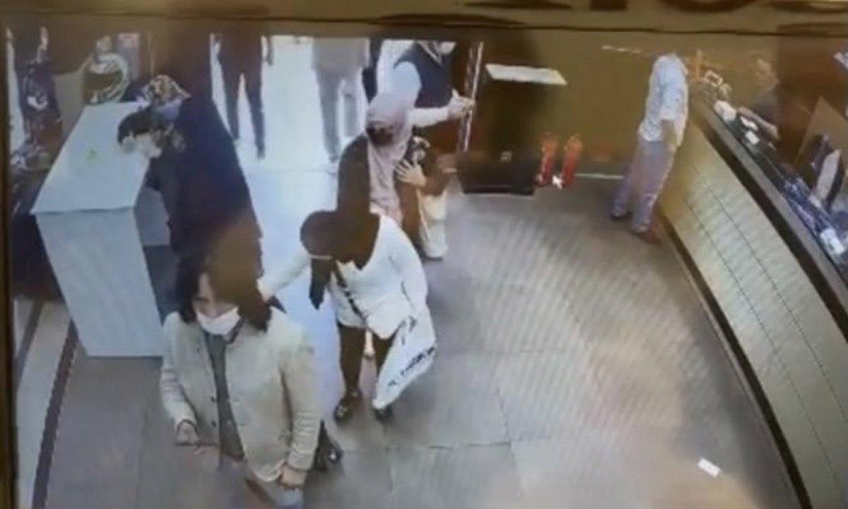Fatih'te Çeçen turist soyuldu  #1