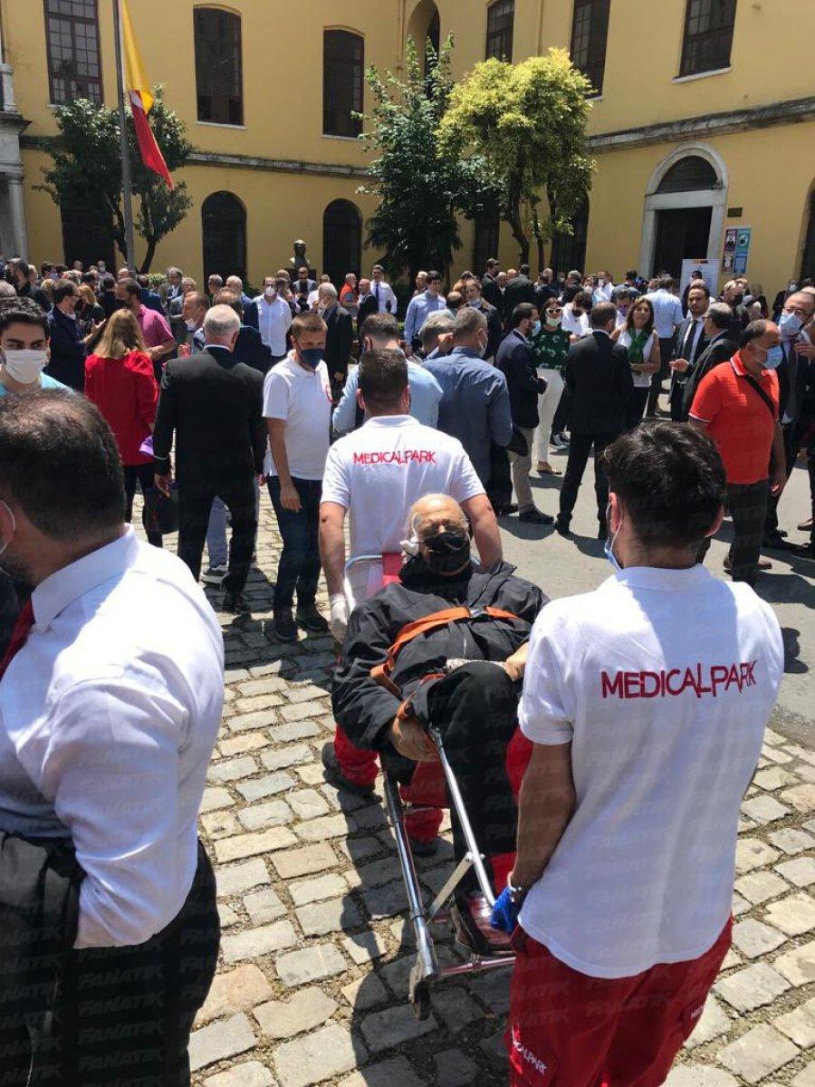 Galatasaray da seçim kuyruğu İstiklal Caddesi ne taştı #2