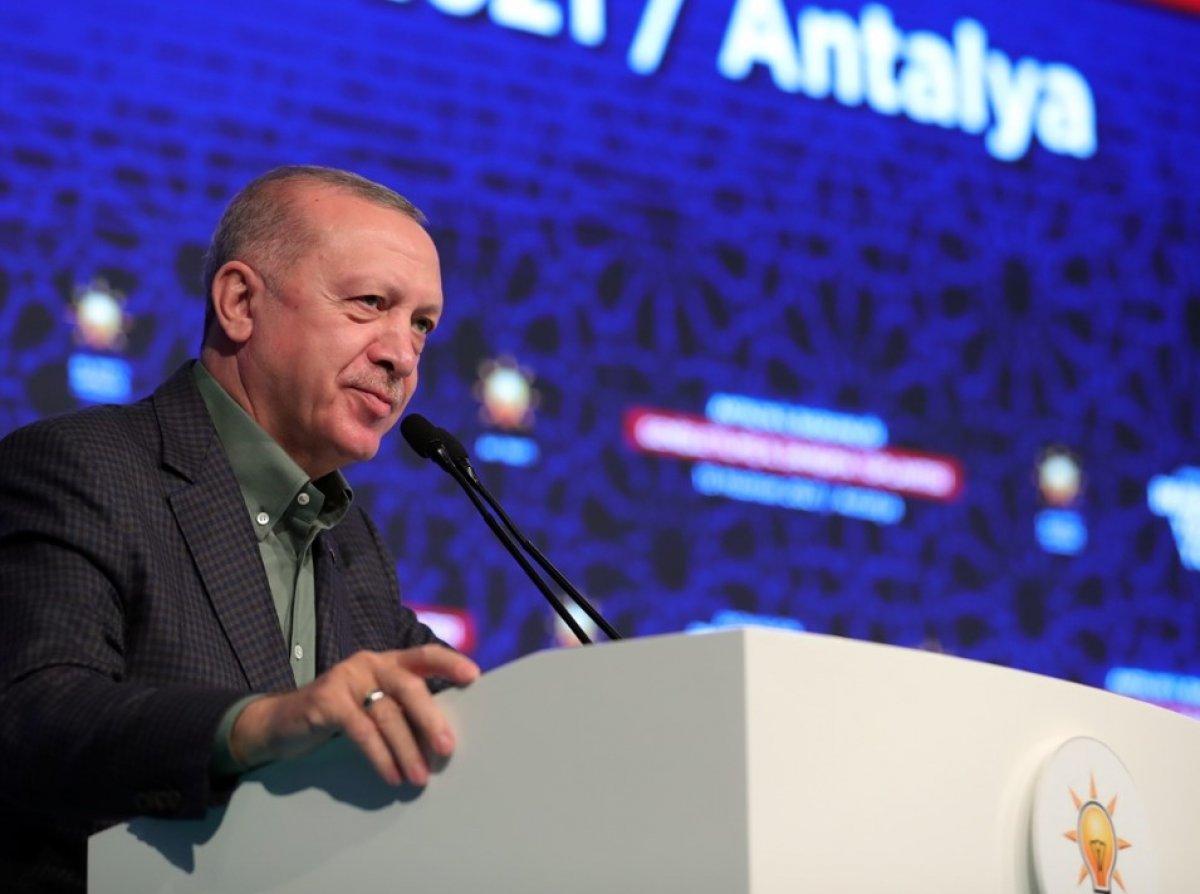 Cumhurbaşkanı Erdoğan Antalya da partililerle birlikte şarkı söyledi #2