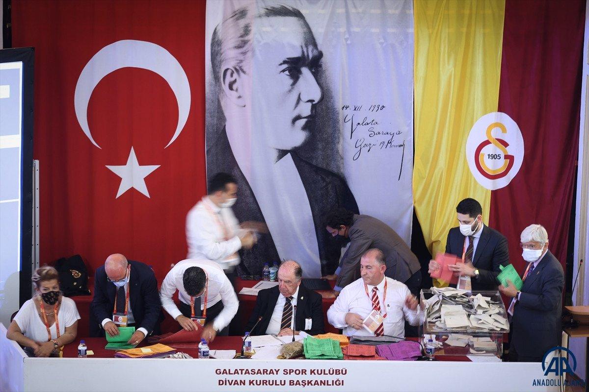 Galatasaray başkanlık seçiminde hakaret gerginliği #6