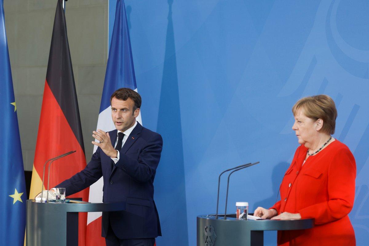 Angela Merkel: Türkiye ye bağımlıyız #1
