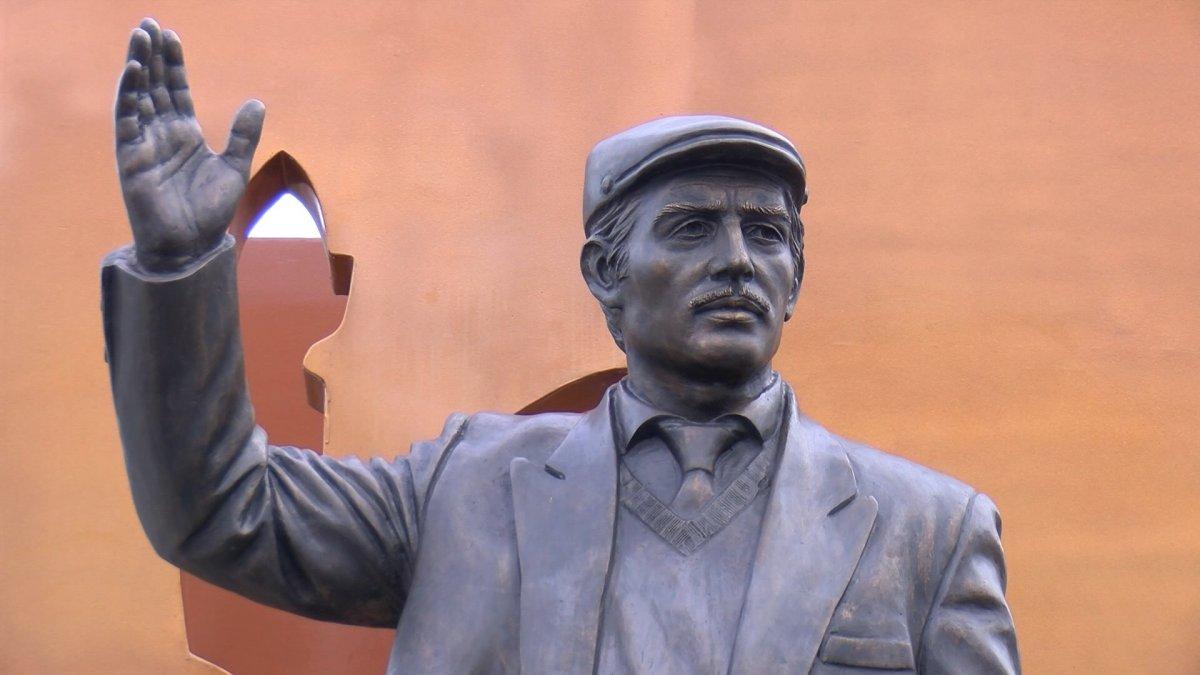CHP den İstanbul a yeni heykel #5