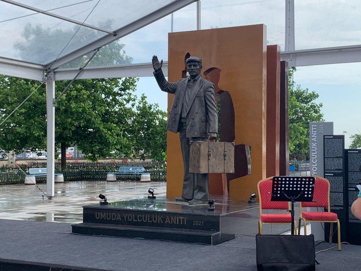 CHP den İstanbul a yeni heykel #3