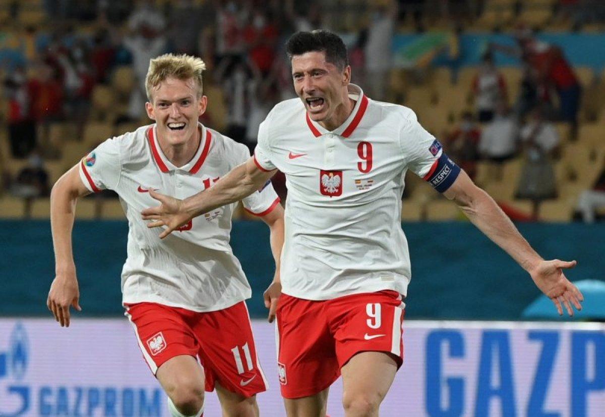 İspanya, Polonya ile berabere kaldı #2