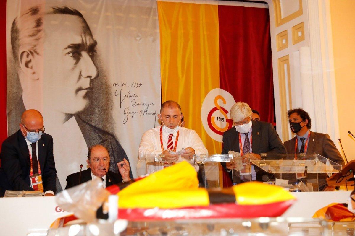 Galatasaray ın 38. başkanı Burak Elmas oldu #1