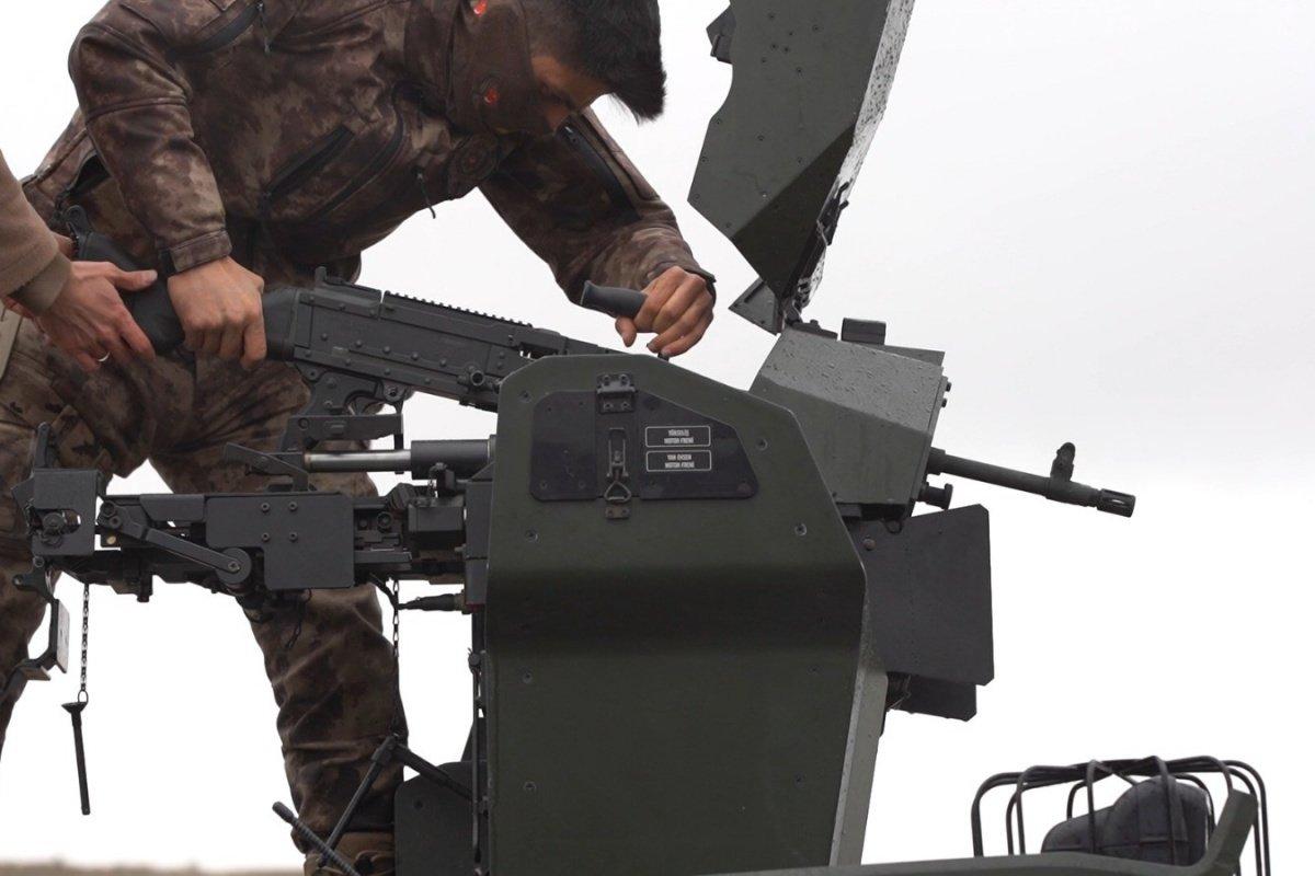 Yerli ve milli makineli tüfek  SAR 762 MT  görücüye çıktı #1