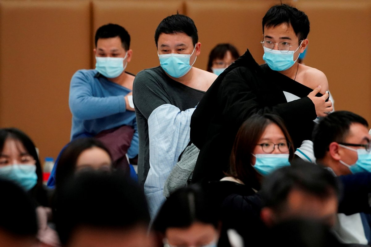 Çin, koronavirüs aşılamasında 1 milyar dozu geçti #1