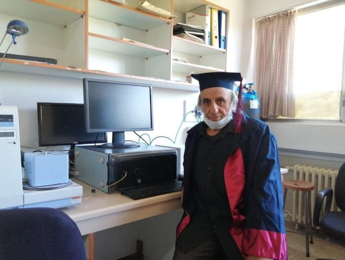 Elazığ da yıllar önce bıraktığı üniversiteden 67 yaşında mezun oldu #2