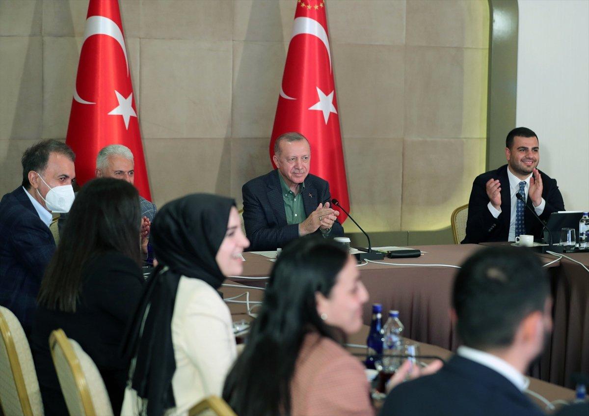 Cumhurbaşkanı Erdoğan ı duygulandıran soru  #2