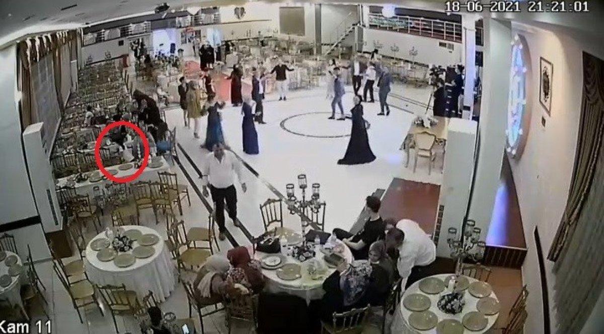 Bursa'da küçük kızın düğün salonundaki hırsızlık anları kamerada #3