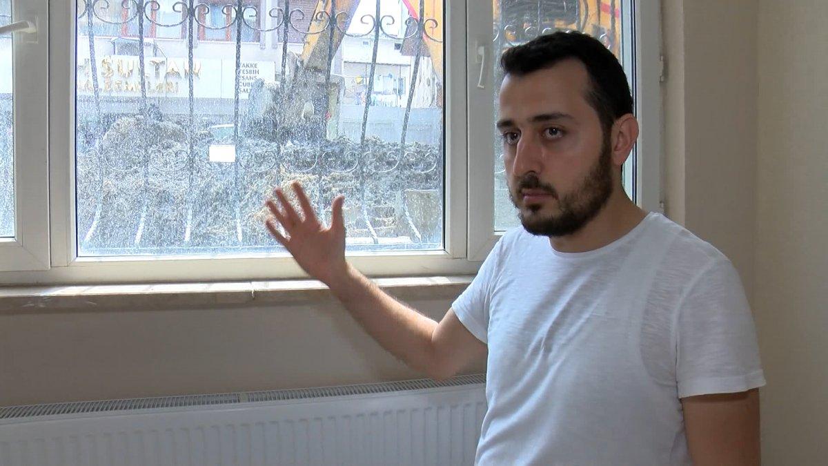 Fatih'te İSKİ çalışması elektrik kablolarını patlattı, bir aile mağdur oldu #4