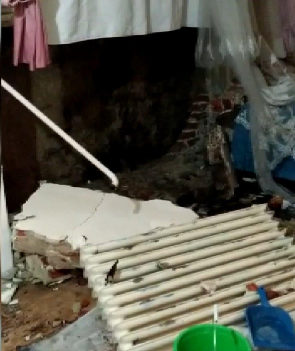 Fatih'te İSKİ çalışması elektrik kablolarını patlattı, bir aile mağdur oldu #5