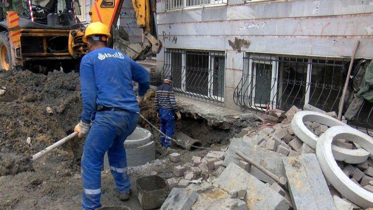 Fatih'te İSKİ çalışması elektrik kablolarını patlattı, bir aile mağdur oldu #3