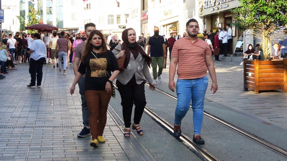 İstiklal Caddesi nde sokağa çıkma kısıtlaması unutuldu #4