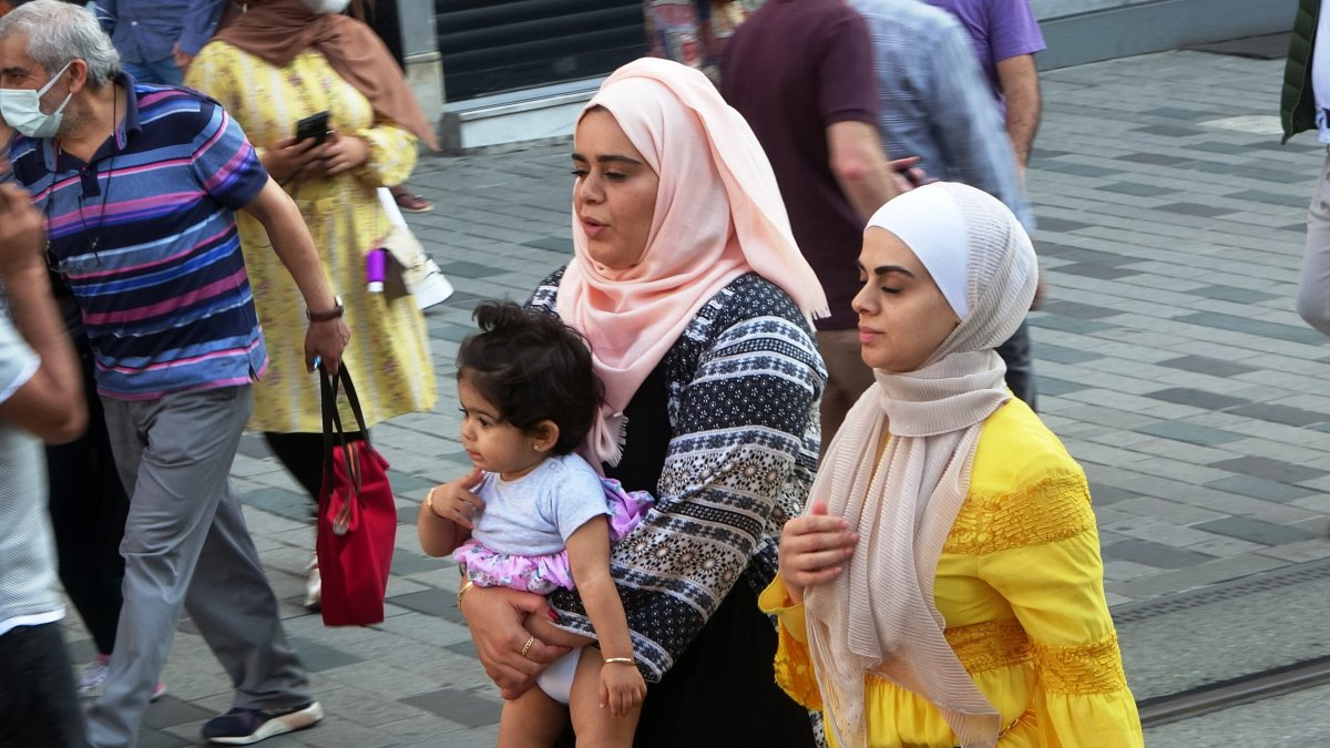 İstiklal Caddesi nde sokağa çıkma kısıtlaması unutuldu #2