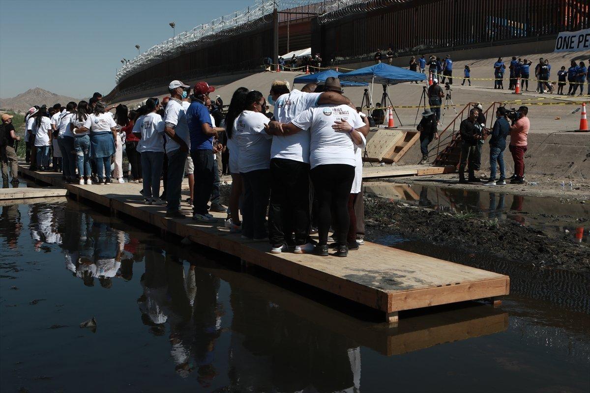 ABD - Meksika sınırında gösteri #7