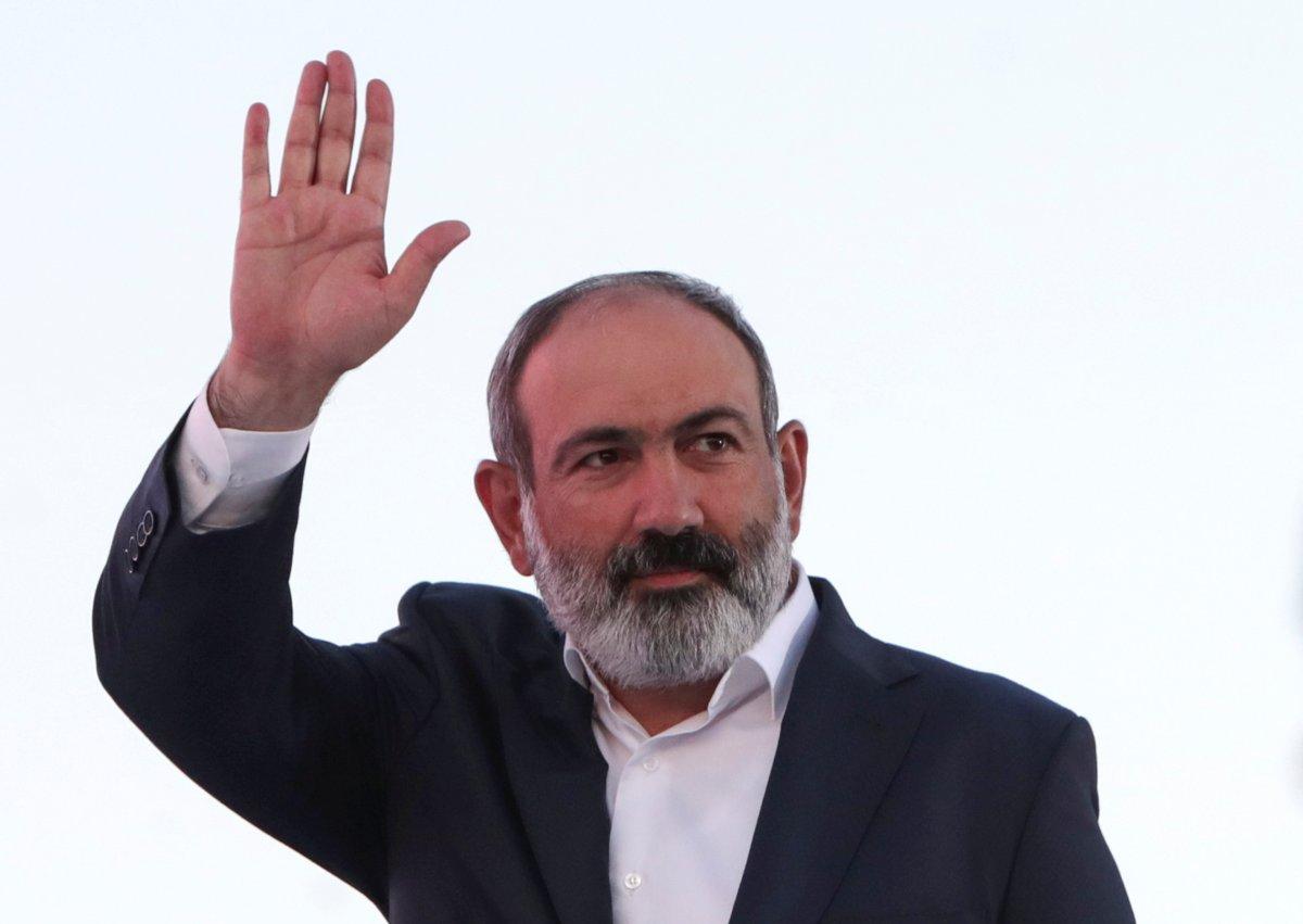 Ermenistan da halk, erken seçim için sandık başında #1
