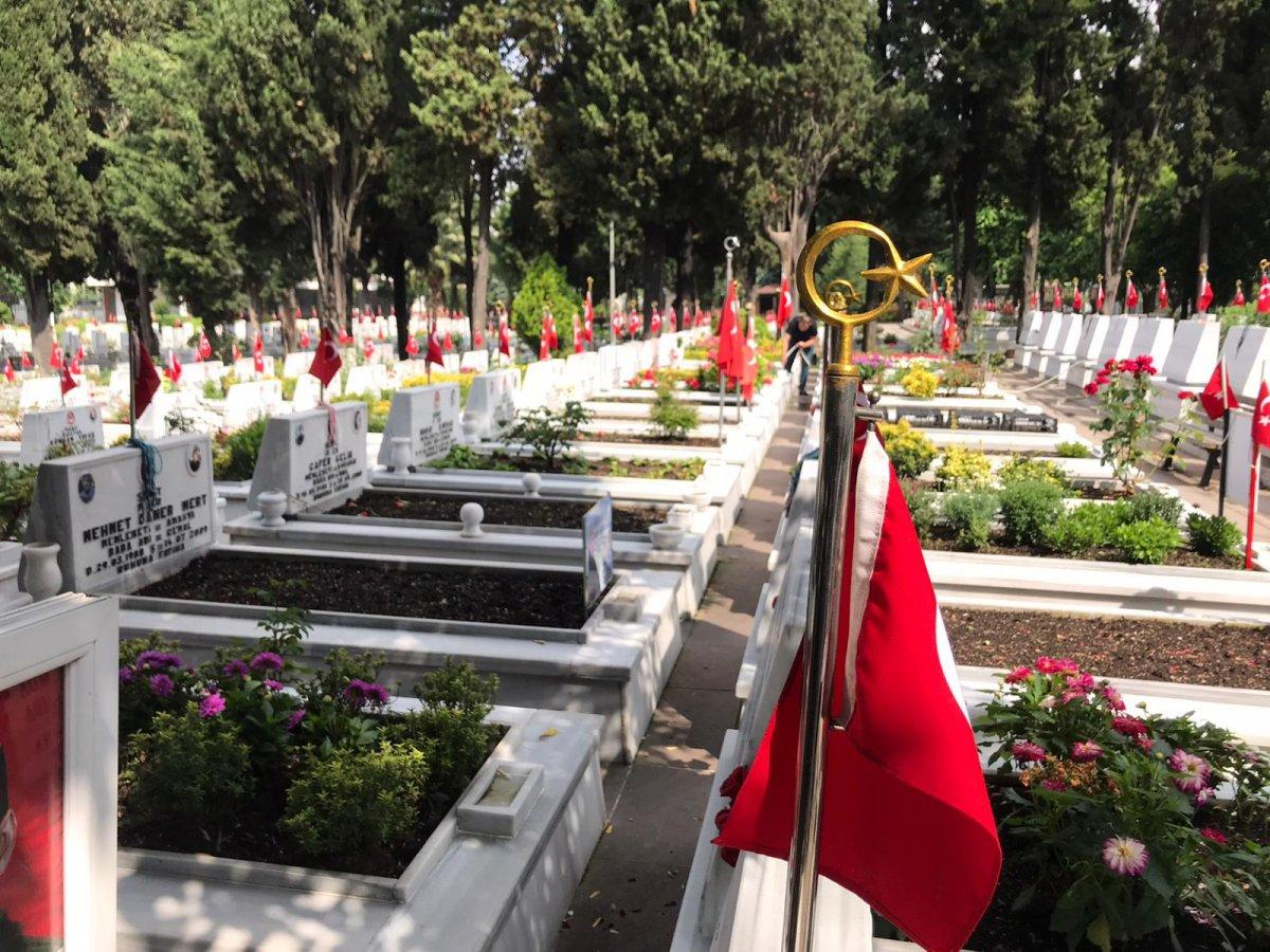 Edirnekapı Şehitliği'nde Babalar Günü buruk geçti  #5
