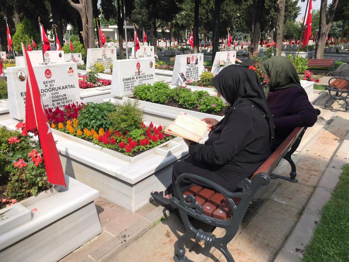 Edirnekapı Şehitliği'nde Babalar Günü buruk geçti  #3