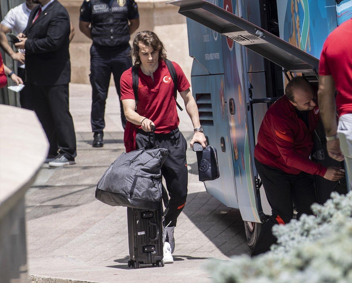 A Milli Futbol Takımı, Bakü de kaldığı otelden ayrıldı #3