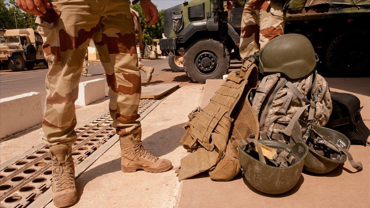 Mali'de Fransız askerlere bomba yüklü araçla saldırı #1