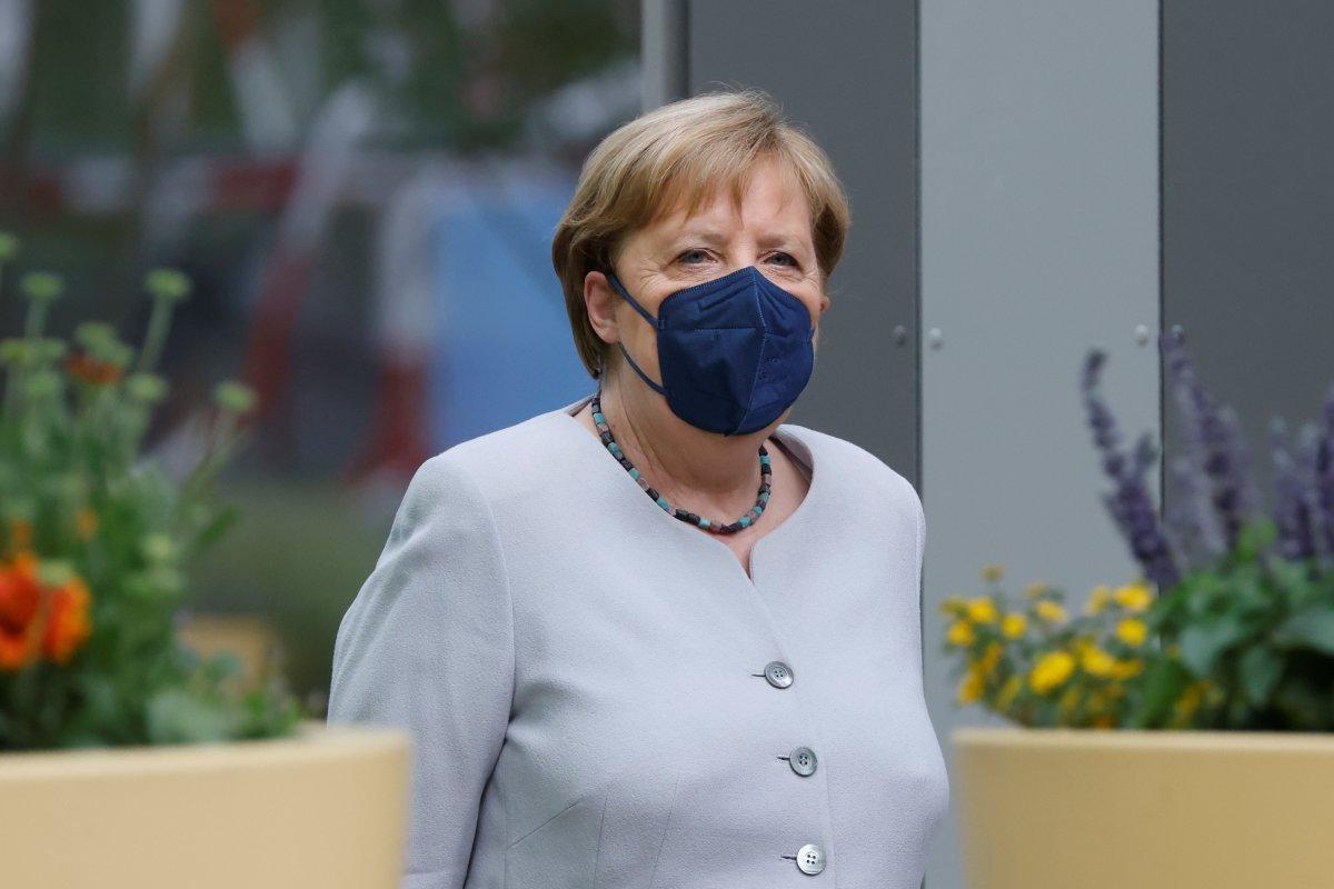 Angela Merkel, koronavirüs aşısının ikinci dozunu yaptırdı #1