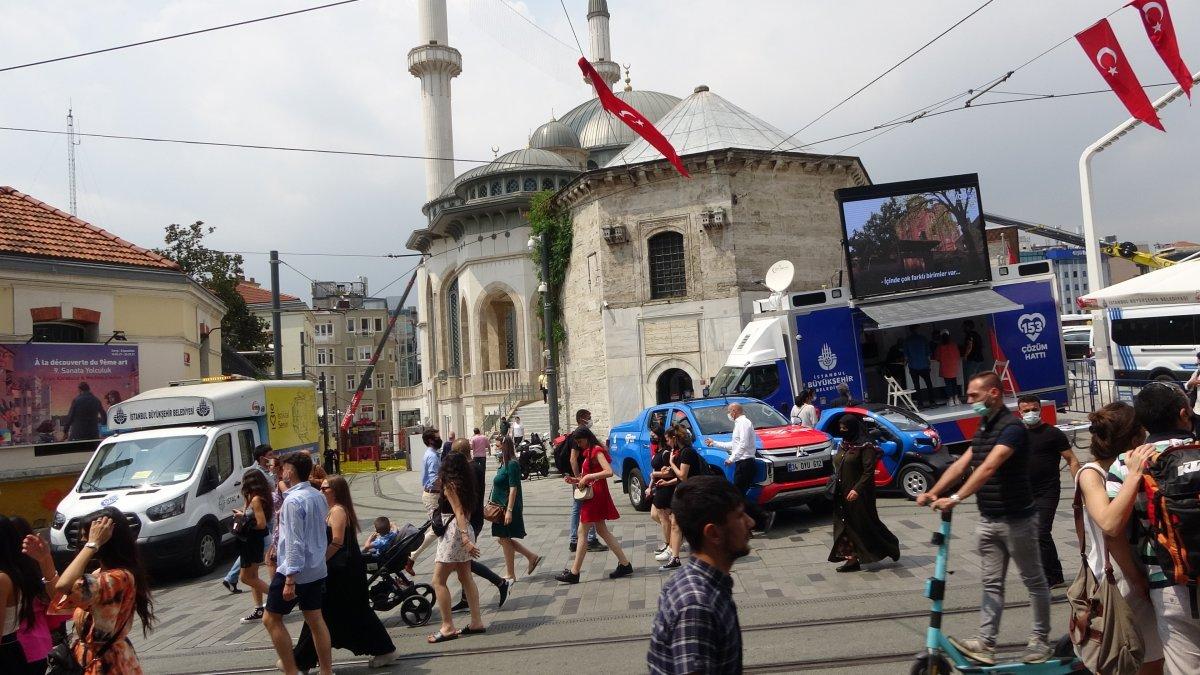 Taksim de pandemi öncesini aratmayan yoğunluk #4