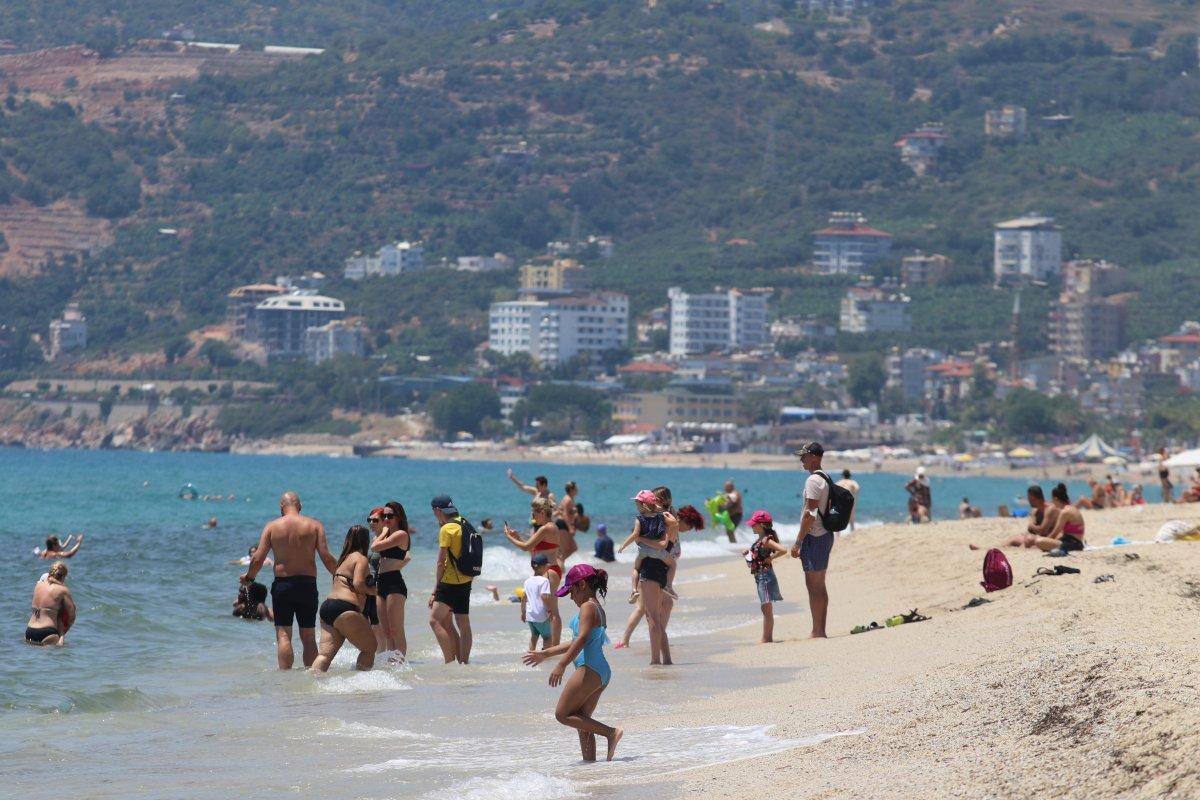 Antalya plajları normale döndü #1