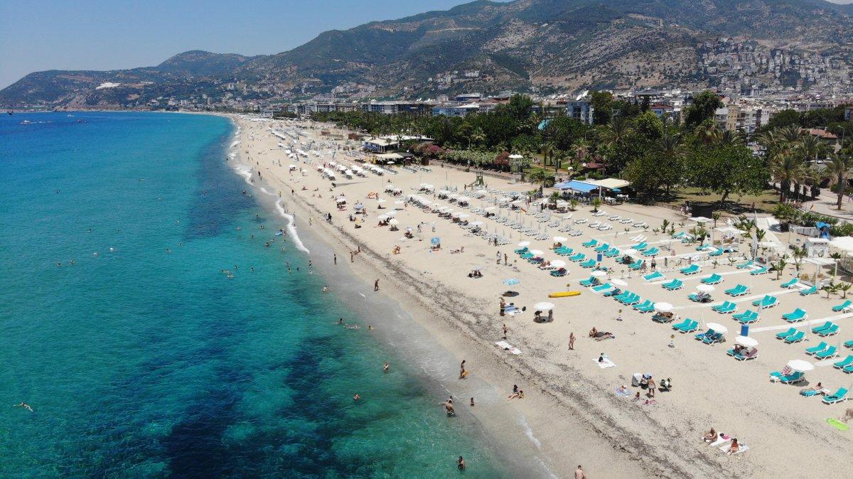 Antalya plajları normale döndü #7