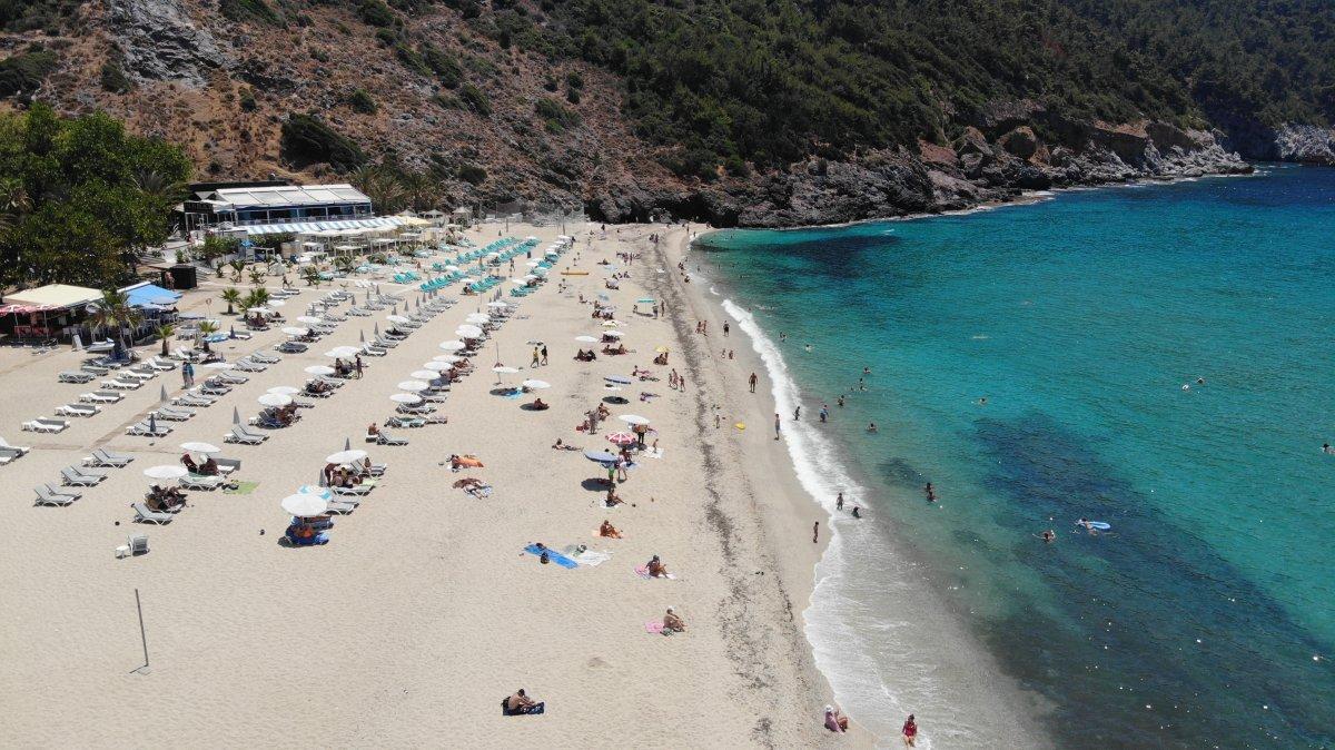 Antalya plajları normale döndü #15