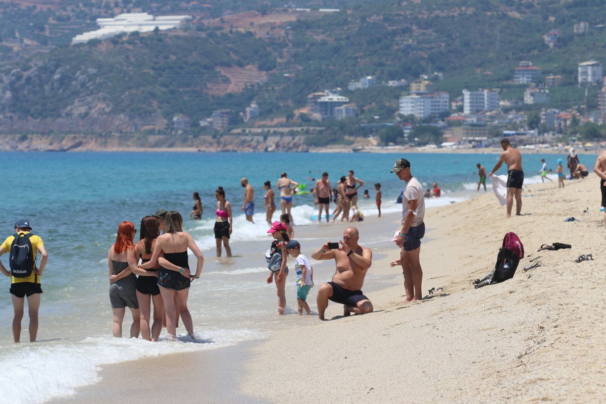 Antalya plajları normale döndü #16