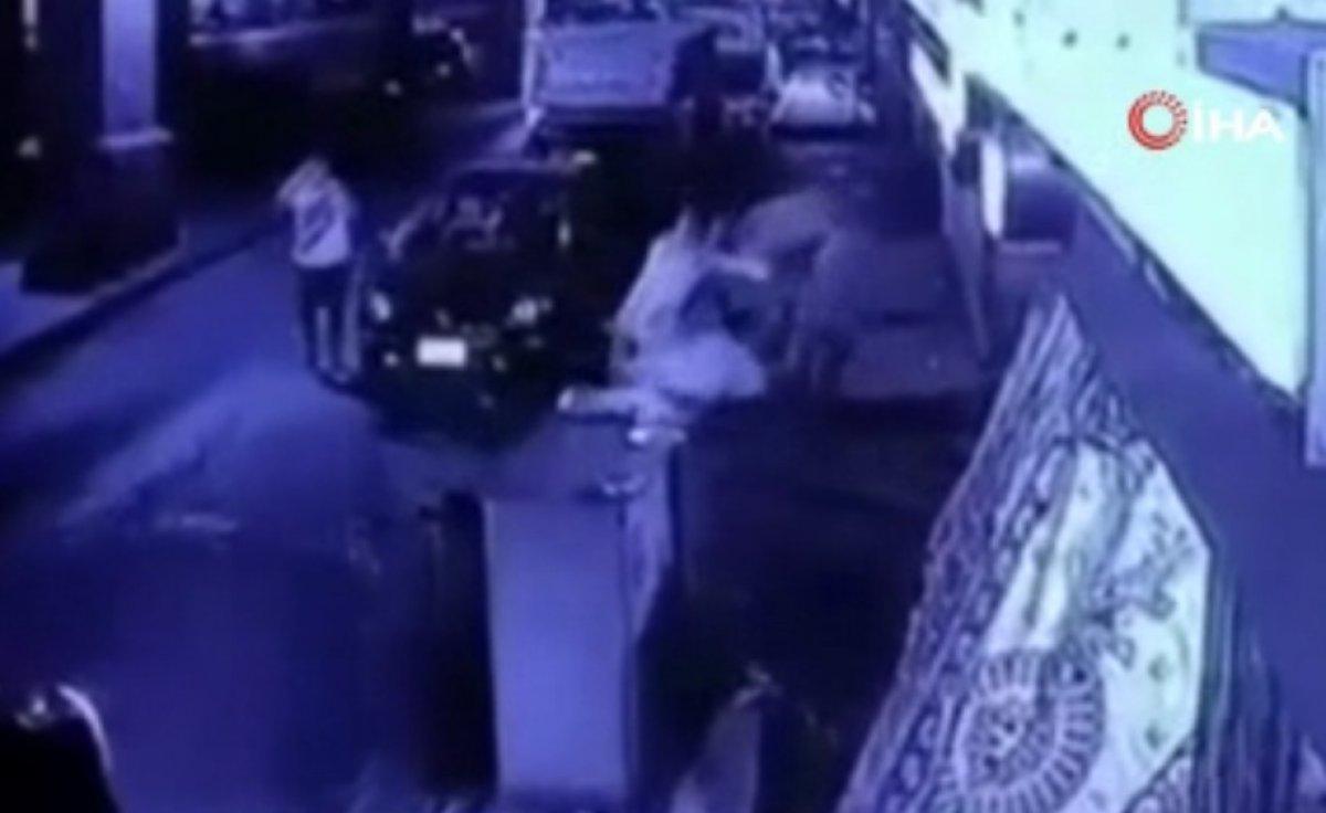 Kahire'de otomobil köprüden düştü: 1 ölü, 2 yaralı #1