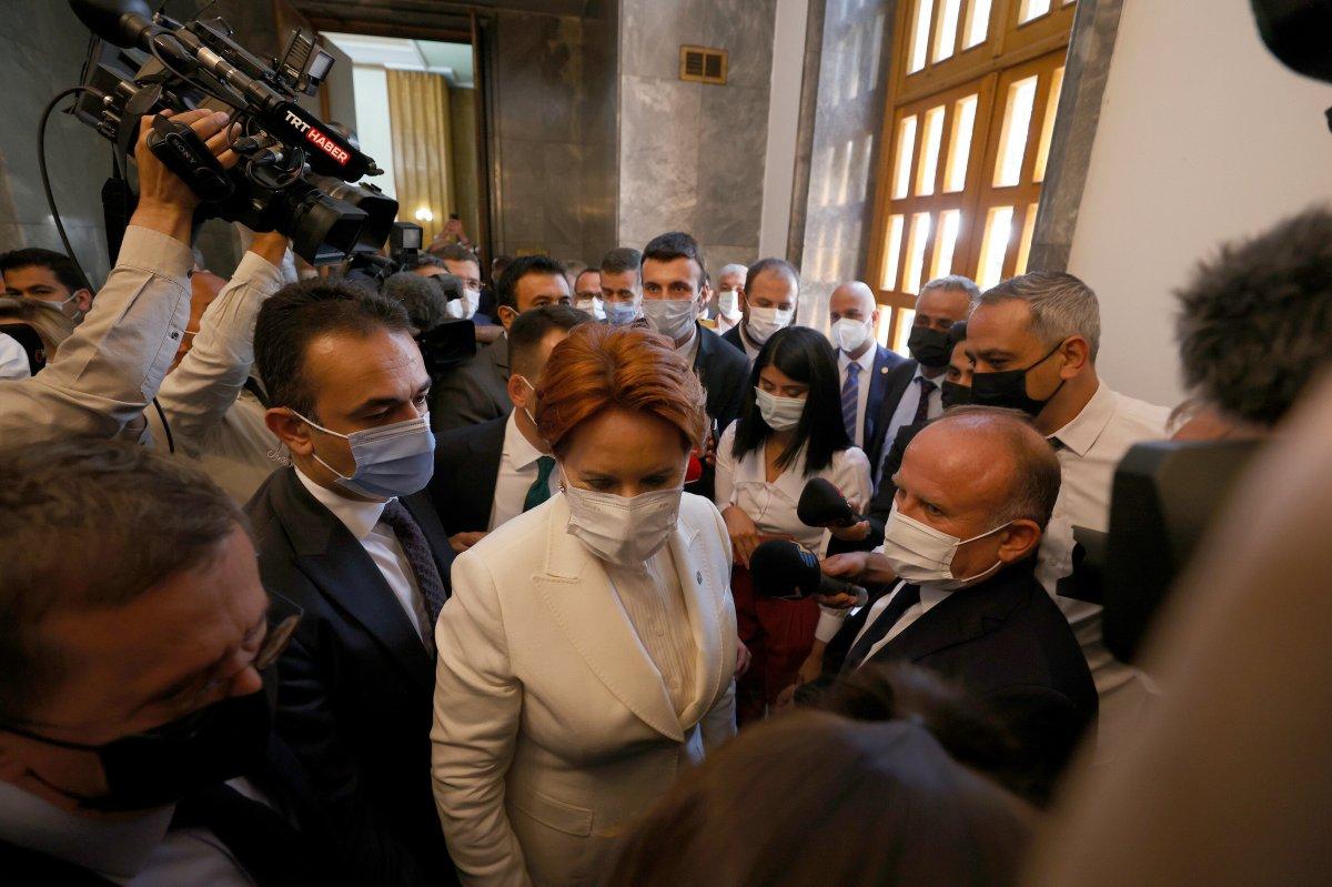 Meral Akşener in korumalarından gazetecilere müdahale #2