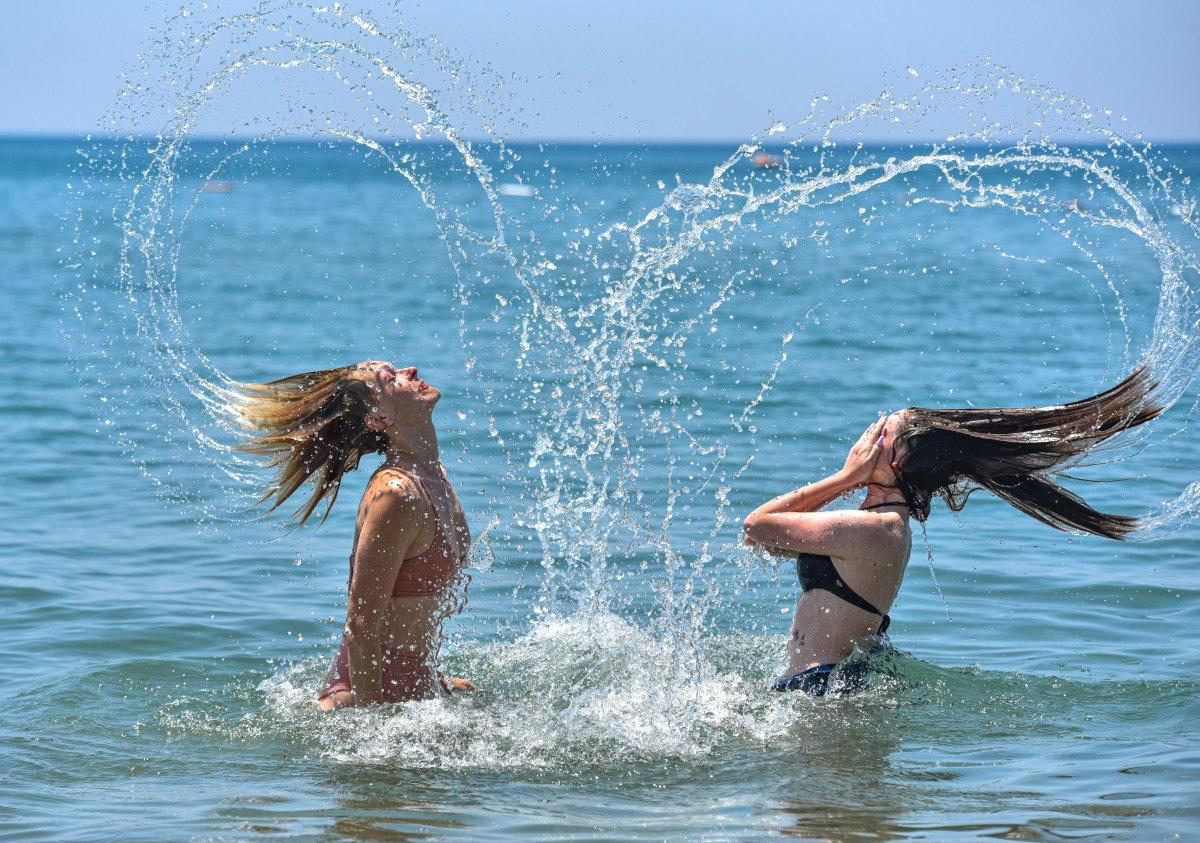 Antalya plajları normale döndü #6