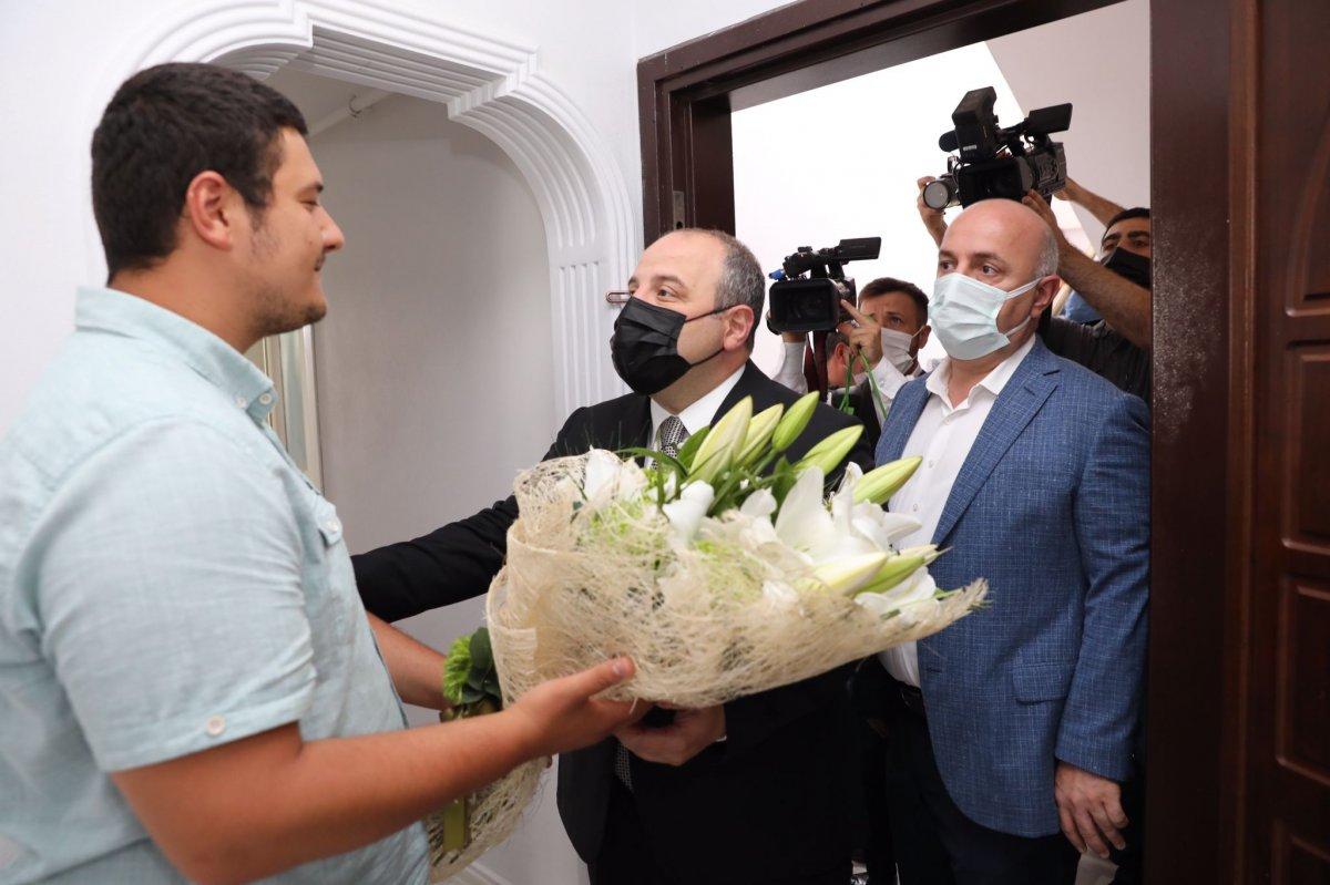 Mustafa Varank tan saldırıya uğrayan İHA muhabirine ziyaret #2
