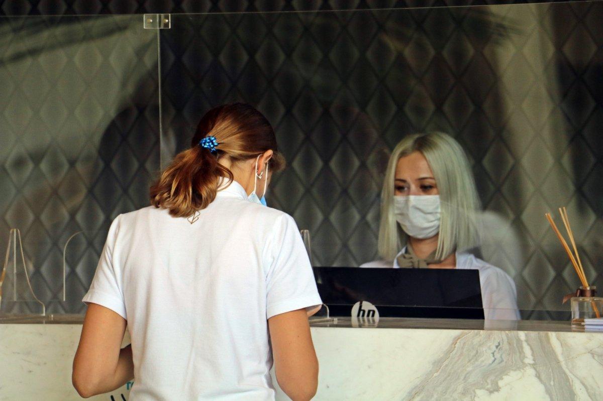 Rus turistler, otellerdeki koronavirüs tedbirlerine hayran kaldı #5