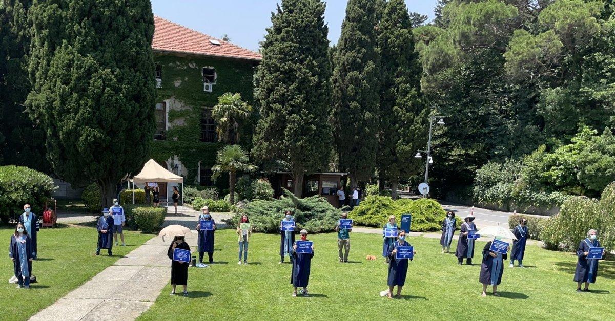 Boğaziçi Üniversitesi nde akademisyenlerin eylemi sürüyor #1