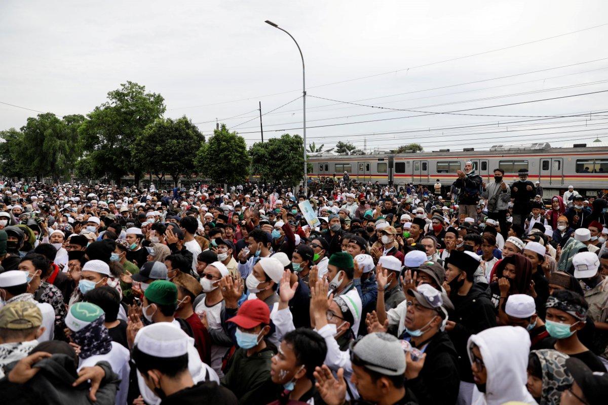 Endonezya da koronavirüs test sonucunu gizleyen din adamına hapis #2
