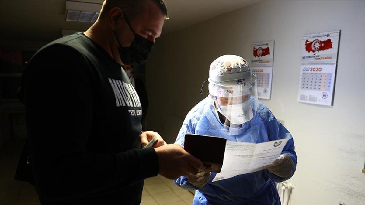 Ukrayna 4 ülkenin vatandaşlarına PCR testi zorunluluğu getirdi #1