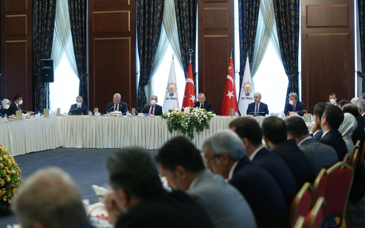 Cumhurbaşkanı Erdoğan dan milletvekillerine sahada olun talimatı #1