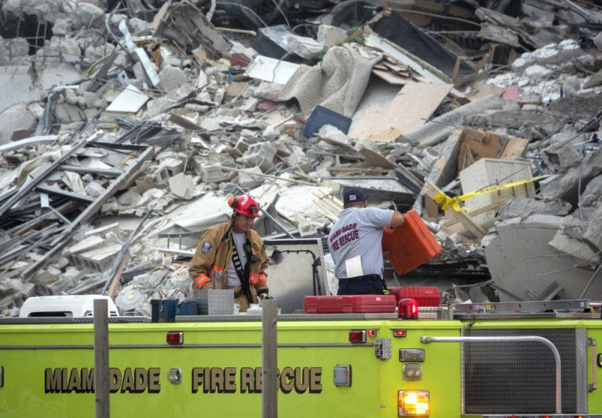 ABD de 12 katlı bina kısmen çöktü #6
