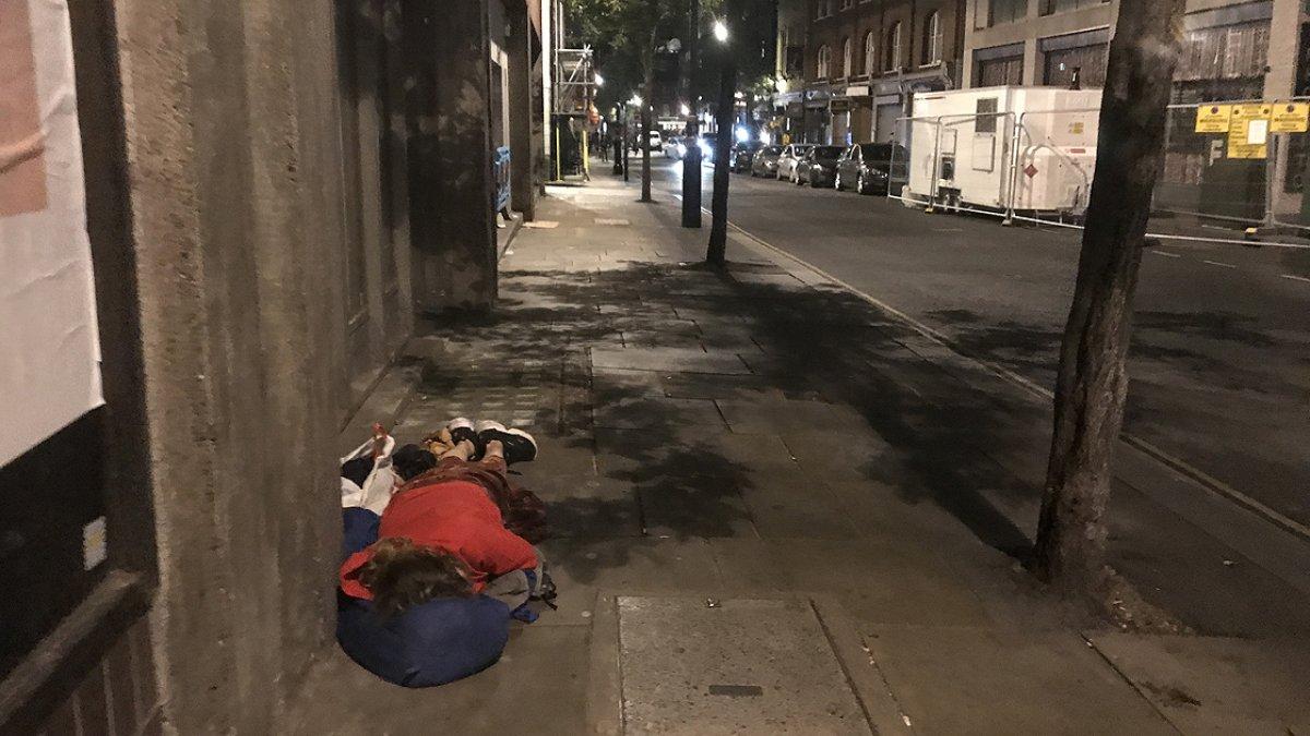 İngiltere de evsizlerin sayısı günden güne yükseliyor #2