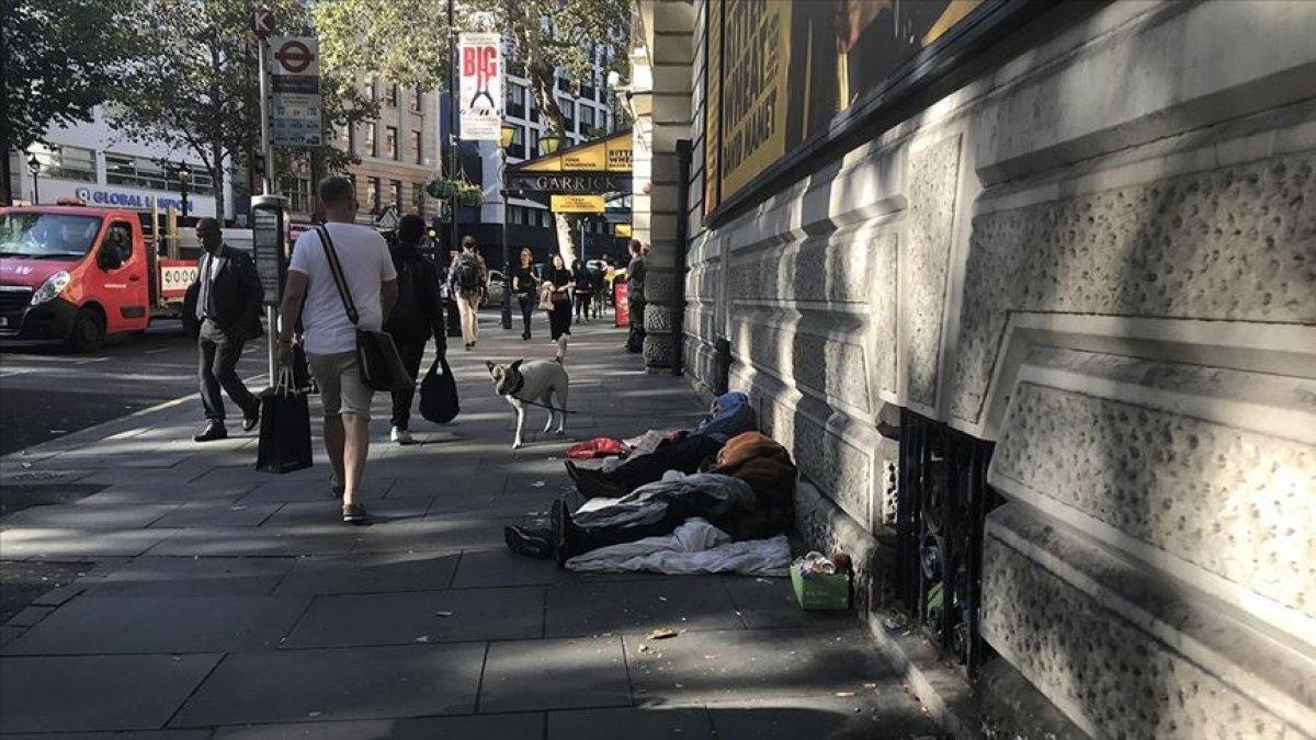 İngiltere de evsizlerin sayısı günden güne yükseliyor #1