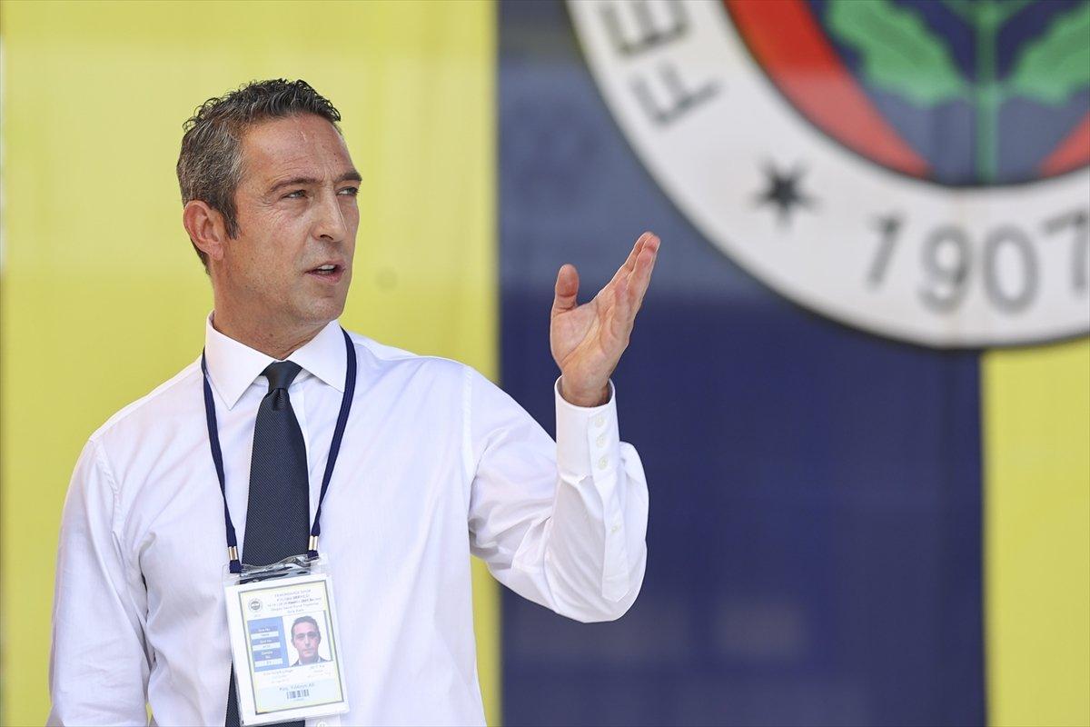 Fenerbahçe de aidat ücretleri kavga çıkardı  #1