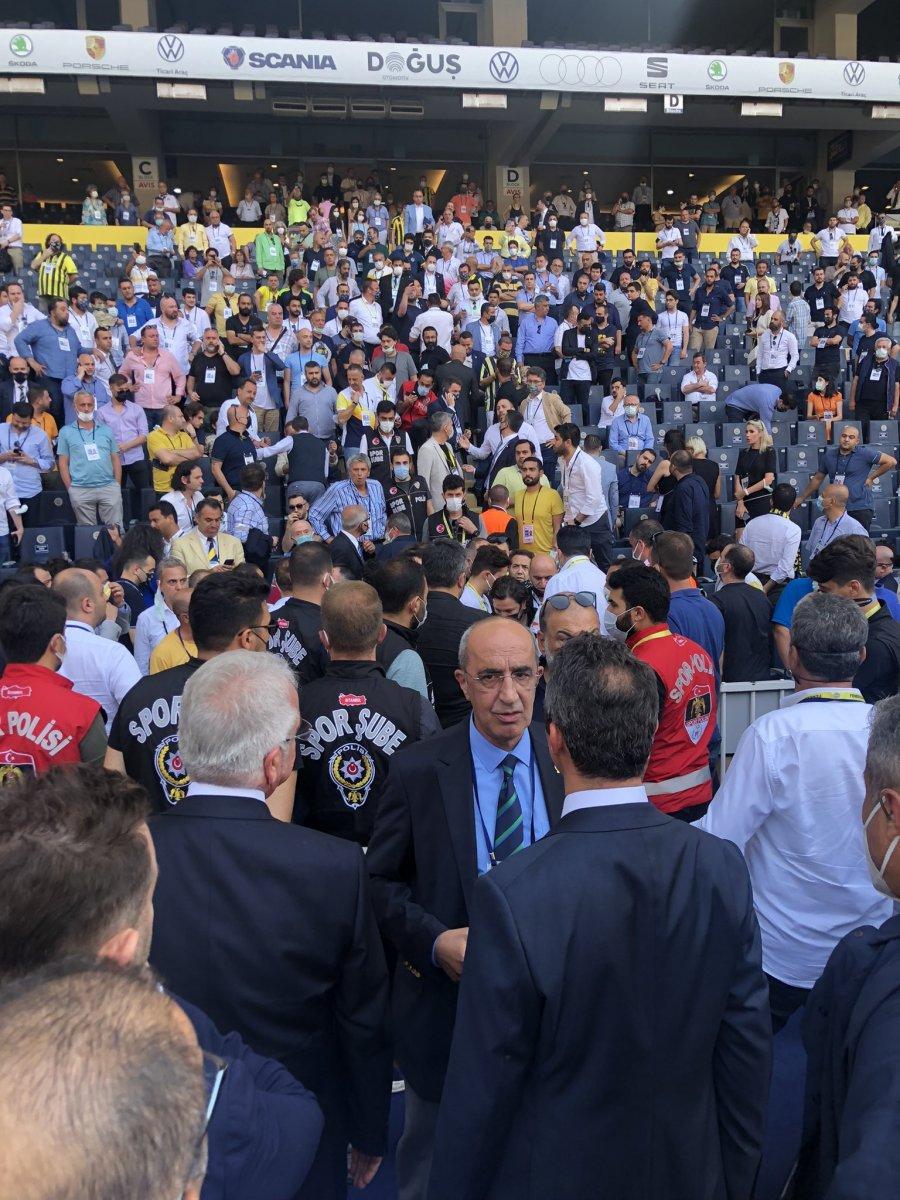 Fenerbahçe de aidat ücretleri kavga çıkardı  #5