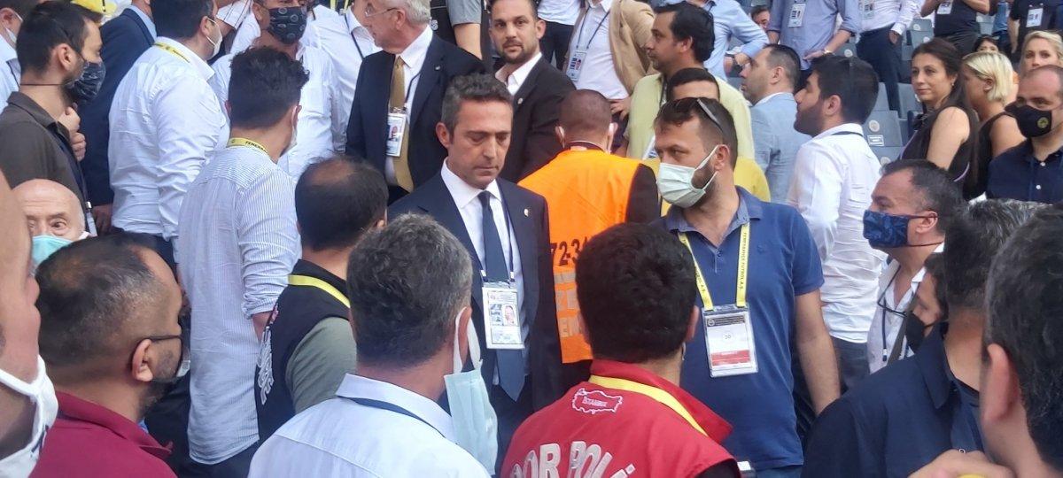 Fenerbahçe de aidat ücretleri kavga çıkardı  #4