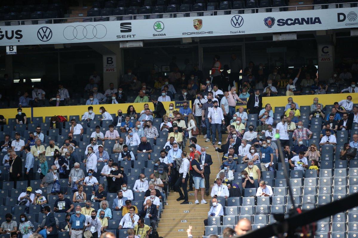 Fenerbahçe de aidat ücretleri kavga çıkardı  #2