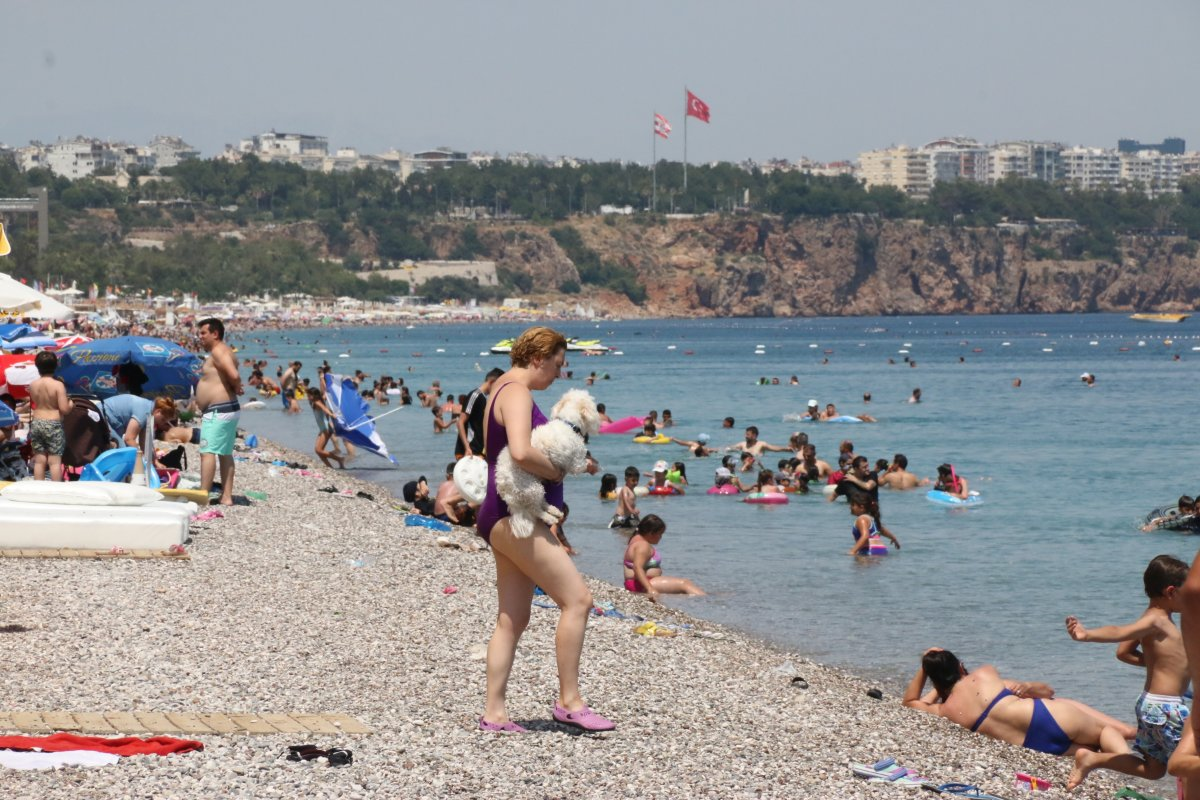 Antalya sahillerinde sınav sonu yoğunluğu #2